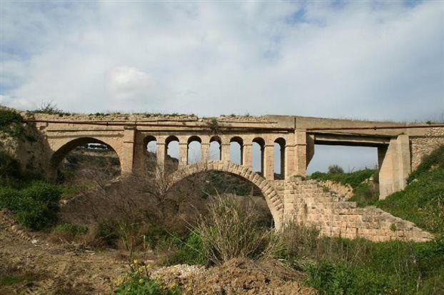 Σώζεται το ενετικό γεφύρι στο Ασσος Κορινθίας