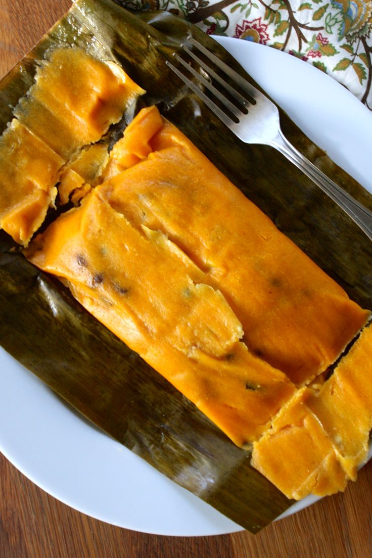 I'm extremely excited about sharing this article about Venezuelan foods with you since food is one of my greatest pleasures when traveling. Pork Recipes, My Recipes, Cooking Recipes, Food N, Good Food, Yummy Food, Venezuelan Food, Comida Latina, English Food