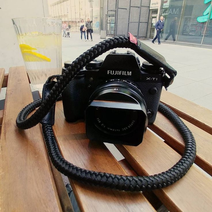 Today's a perfect weather for some street shooting in Warsaw. Took our Stroppa flex for a walk. Get yours at www.stroppa.pl  #photography #photo #camera #photographer #giftideas #photooftheday #cameragear #love #instagood #beautiful #me #stroppa_straps #stroppa #gearshots #cameraporn #camerastrap #camerastraps #handmade #leather #rope #monday #coffee #beautiful #social #girl #follow #followtrick #cute #sun
