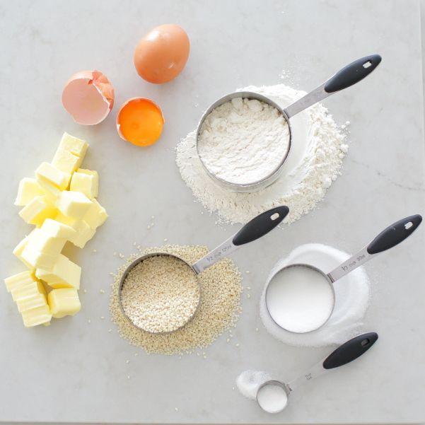 Sesame seed koulourakia Recipe at WWW.EFFIGEORGIA.COM.AU