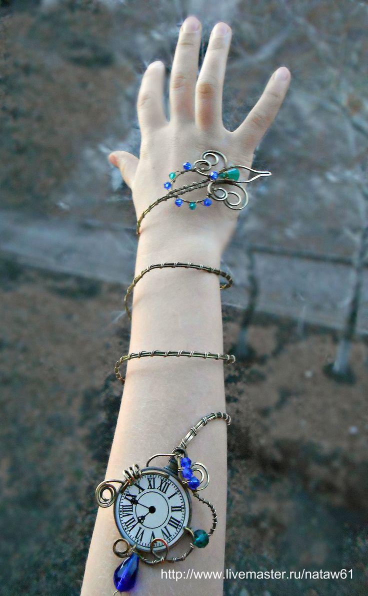Купить Браслет Часодеи (латунный, стрела, часы) - зеленый, сине-зеленый, синий, золотой, стрела
