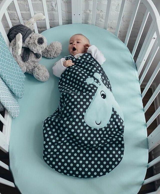 śpiworek do spania i śliczne pieluszki tetrowe WOMAR Zaffiro