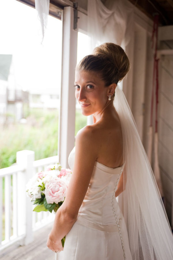 Photography by miacampopiano.com - love the brides hair style