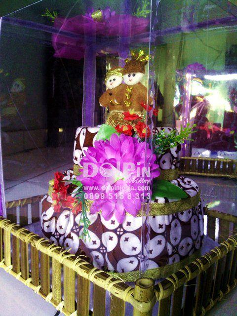 Hantaran Nikah Pesing Jarik Kue Tart-Dolpin Wedding #Hantaran #Seserahan #HantaranNikah #SeserahanNikah #Wedding #Nikah #Gift #HandyCraft