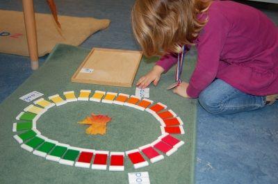 herfst met de kleurspoelen - Montessorinet