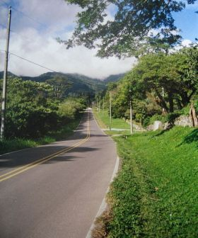 In Boquete, whether you need a four-wheel drive or not depends on where you are going. There are lots of people who do not need one. I need one because I go all over the place and so does my wife, Alicia. You can get on a dirt road quickly here. - See more at: http://bestplacesintheworldtoretire.com/questions-and-answers/1418-how-are-the-roads-in-boquete-panama-do-i-need-a-four-wheel-drive-in-boquete-panama#sthash.sqD0xvUQ.dpuf