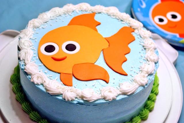 Under the Sea Goldfish cake: MooMama