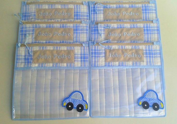 Envelope Maternidade com Aplique de Bordado  30 x 30 cm      ***Poderá ser bordado o desenho que voce desejar***    Envelope para roupa do Bebê.  Perfeito para organizar a mala do bebê para a maternidade.  Para enviar na mochila da escolinha, organizar a mala de viagem e até mesmo manter a ordem ...
