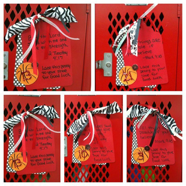Basketball locker decorations high school spirit for Room decor ideas for high school