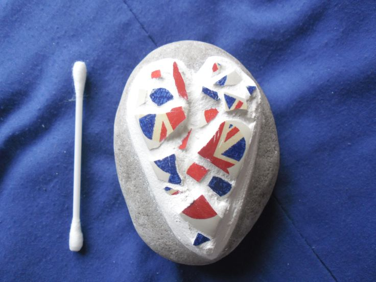 heart mosaic on stone - made from a union jack mug bought in a charity shop