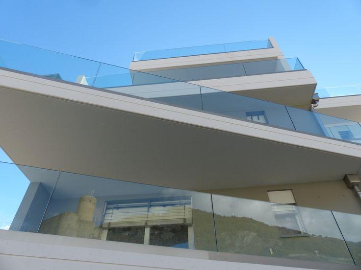 Transparence absolue grâce à SABCO pour vos rambardes de balcon en verre
