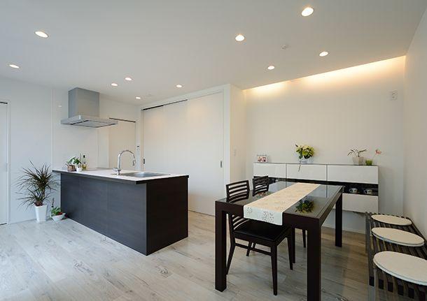 白色の吹き抜けのある家・間取り(東京都世田谷区) | 注文住宅なら建築設計事務所 フリーダムアーキテクツデザイン