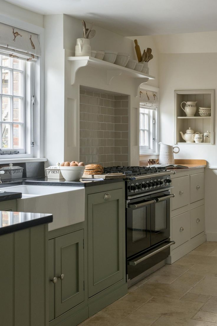 Easy Kitchen Remodel Ideas: 25+ Best Ideas About English Country Kitchens On Pinterest