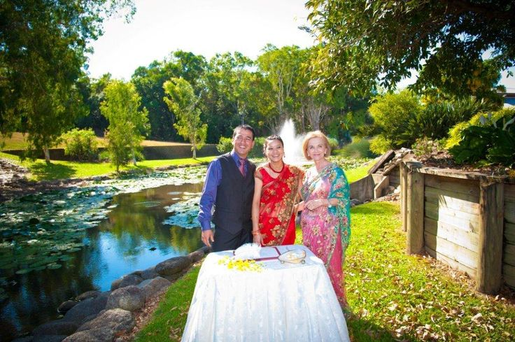 Elopement at Palm Cove Lilly Pond