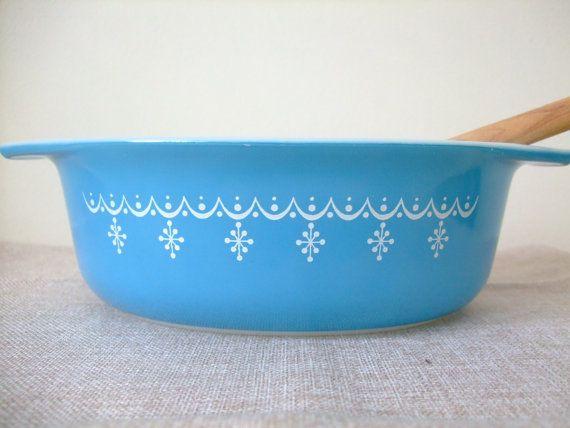 Vintage Pyrex Casserole Dish White Snowflakes Pattern