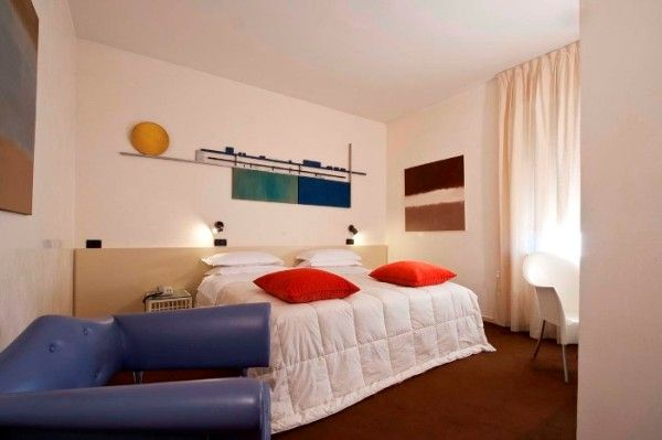 http://www.htlreservation.com/swap.aspx?Htlreservation=Rechigi-Hotel-Mantova