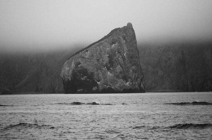Скалы и океан