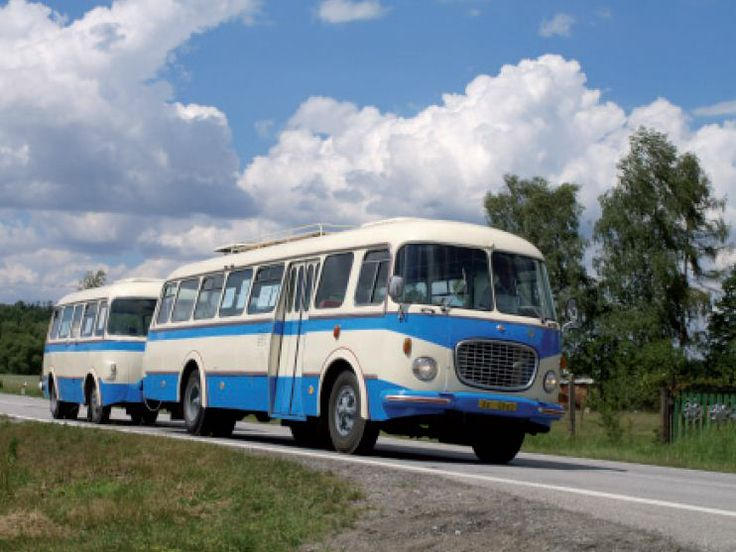 Autobus s přívěsem