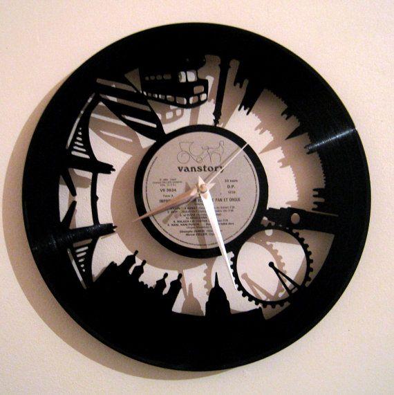Vinyl clock London  So british by Funkyvinyl on Etsy, €39.00
