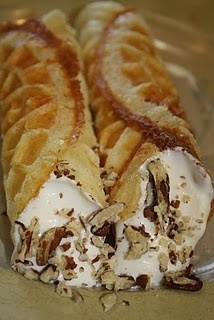 17 Best images about Cannoli & Italian food dolce on ...