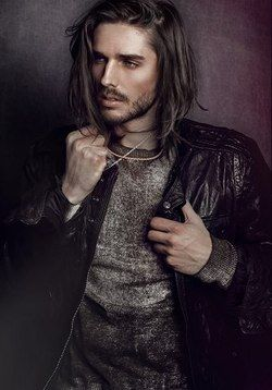 long haired man - オセのイメージ