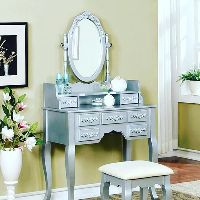 Reposting @casagear_usa: Furniture of America CM-DK6845SV Harriet Transitional Silver Vanity⠀ #casagear #home #decor #furniture #FOA #harriet #silver #vanity #traditional  #best #trending #freeshipping #USA