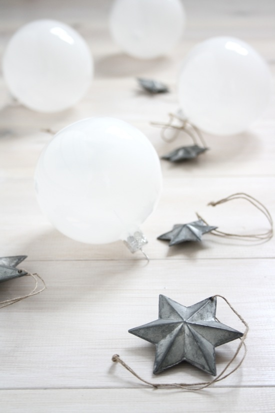 : Christmas Inspiration, Christmas White, Christmasdecor, Christmas Neutral, Christmas Time, Winter, Christmas Decor Ideas, White Christmas, Christmas Ornaments