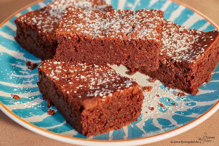 Dies ist nicht mein einziges Rezept für Brownies, aber eines der besten. ich war anfangs selber sehr überrascht wie lecker sie sind. Das ganze Rezept kom..