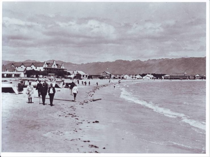 Strand beach - 1918 Strolling on the beach in Strand has definitely been a favorite pass time for more than a century! #beach #strand #walking #strolling #strandlopers