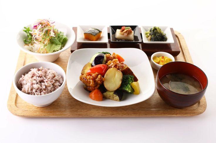 ぐるなび - 梅田 阪急三番街 リバーカフェ ランチメニュー