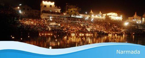 Río Narmada <<el que está dotado de felicidad>>. Omkarshwar.