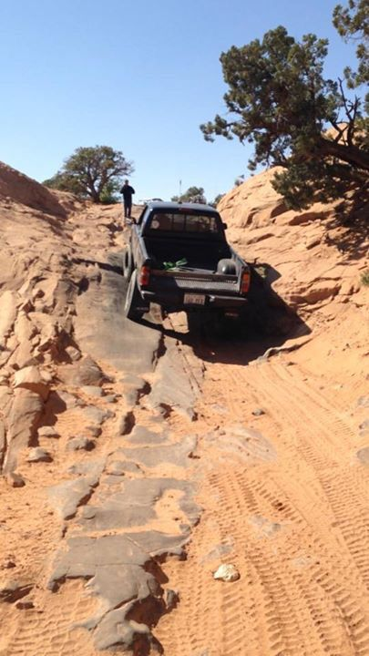 1998 Toyota Tacoma climbing wedgie on poison spider trail