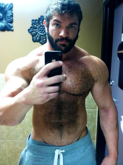 Daddy hairy muscle hunk selfie