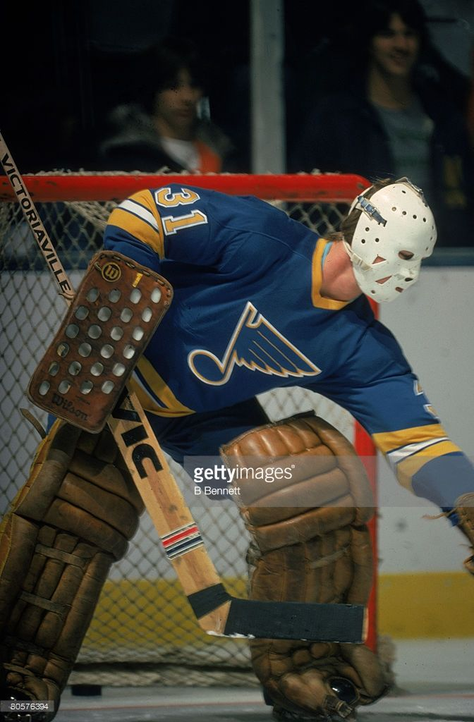 canadian-ice-hockey-player-ed-staniowski-goalkeeper-for-the-st-louis-picture-id80576394 (672×1024)