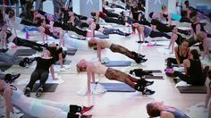 Tracy Anderson's 4-minute core sequence