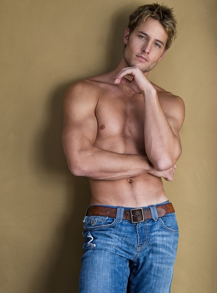 JUSTIN HARTLEY, Actor, Writer, Director. 1977. ILL (Knoxville). Bl-bl. 6-3. Credits: Passions (2002-06); Smallville (2006-11); Emily Owens MD (2013). 9, 9, 9. Mar. 2004-divor 2012; 1d.