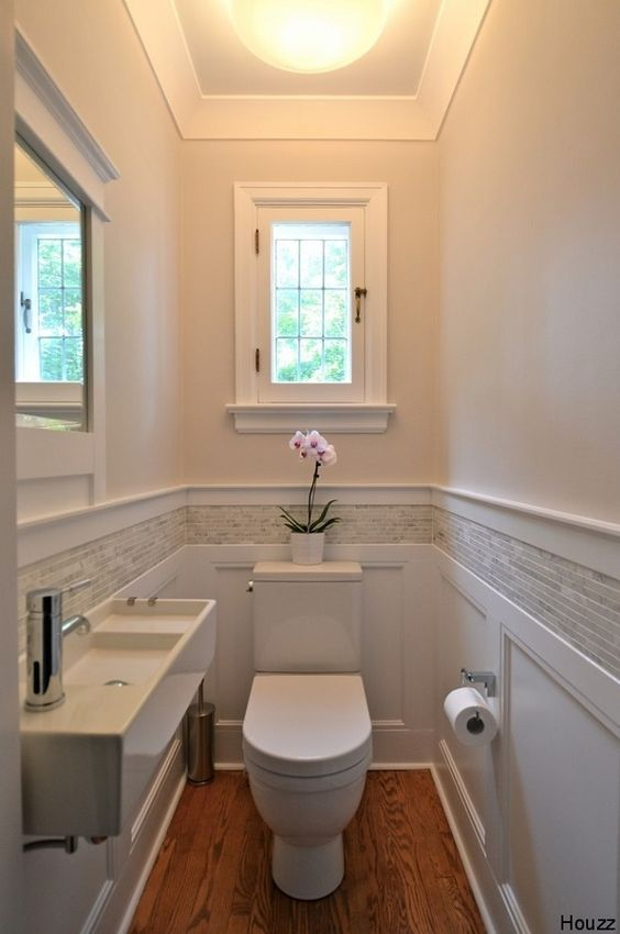 17 best ideas about wainscoting bathroom on pinterest - Bathroom remodel ideas with wainscoting ...