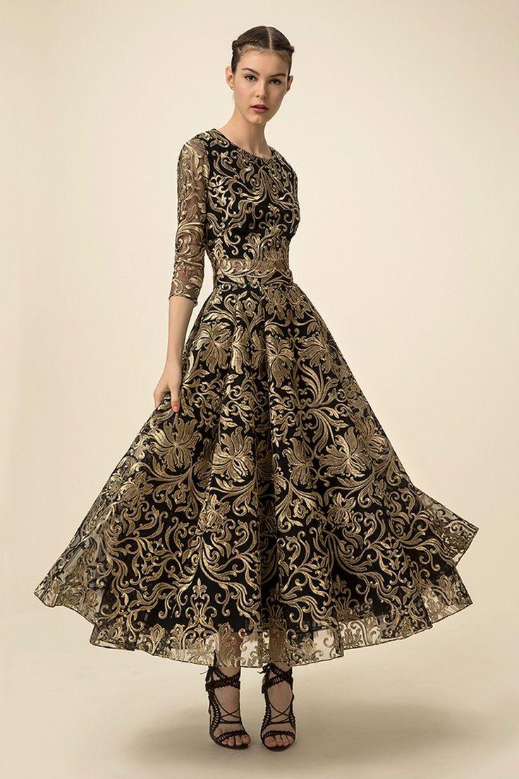 Gold black dress Spring 2016 Ready-to-Wear Marchesa Notte