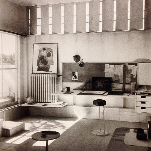 A interior by Eileen Gray, very art deco. It s an office space at one of the houses she designed. I like the simple and geometric design of it.