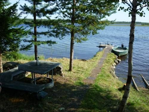 Country House Kamenka Petrozavodsk Country House Kamenka offers pet-friendly accommodation in Kamenka. It provides free private parking.  The unit is fitted with a kitchen. A flat-screen TV is available.