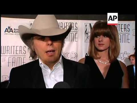 Garth Brooks, Leon Russell, Billy Steinberg and more inducted