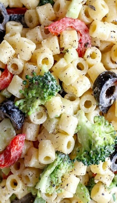 Creamy pasta salad. One of my favorite dishes for summer! 4th of July Food Ideas, #recipe #party