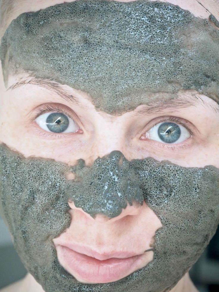 OSTOLAKOSSA: Elizavecca Milky Piggy Carbonated Bubble Clay Mask - sikahauska poreileva kasvonaamio!