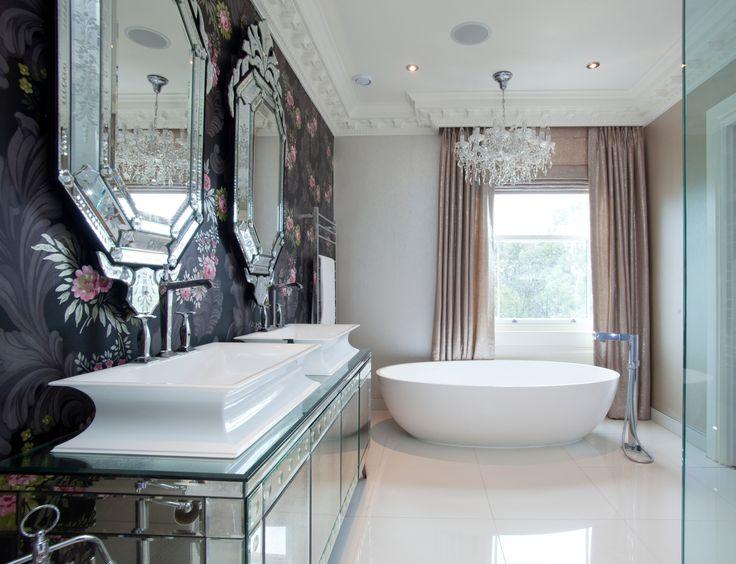 Torrington House master bathroom