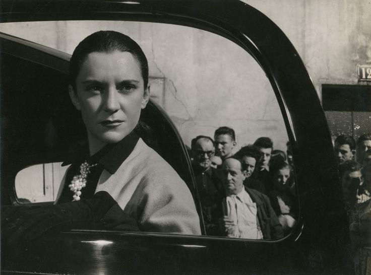 ORPHEE - Maria Casarès dans le film de Jean Cocteau, 1950 - Photographie de Roger [...], Photographies de Cinéma pour Tous à Artprecium | Auction.fr