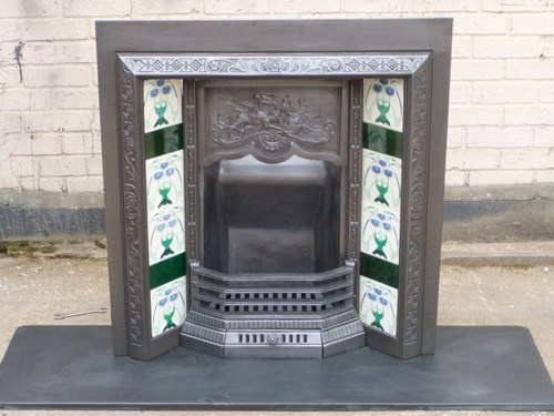 109  VICTORIAN EDWARDAIN FIRE SURROUND FIREPLACE CAST IRON TILED INSERT