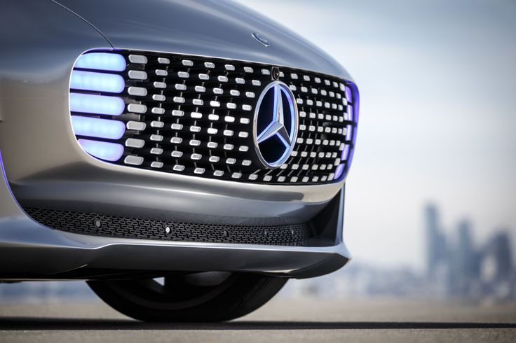El futuro de los autos... millonarios, pero futuro al fin... El Mercedes Benz F 015