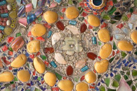 Bunte Glas-Mosaik-Kunst und abstrakte Wandhintergrund photo