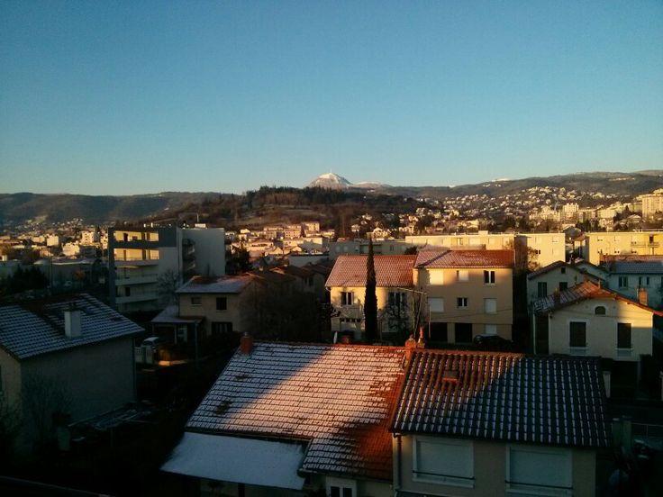 Le Puy de Dôme est enneigé. #Auvergne #ClermontFerrand