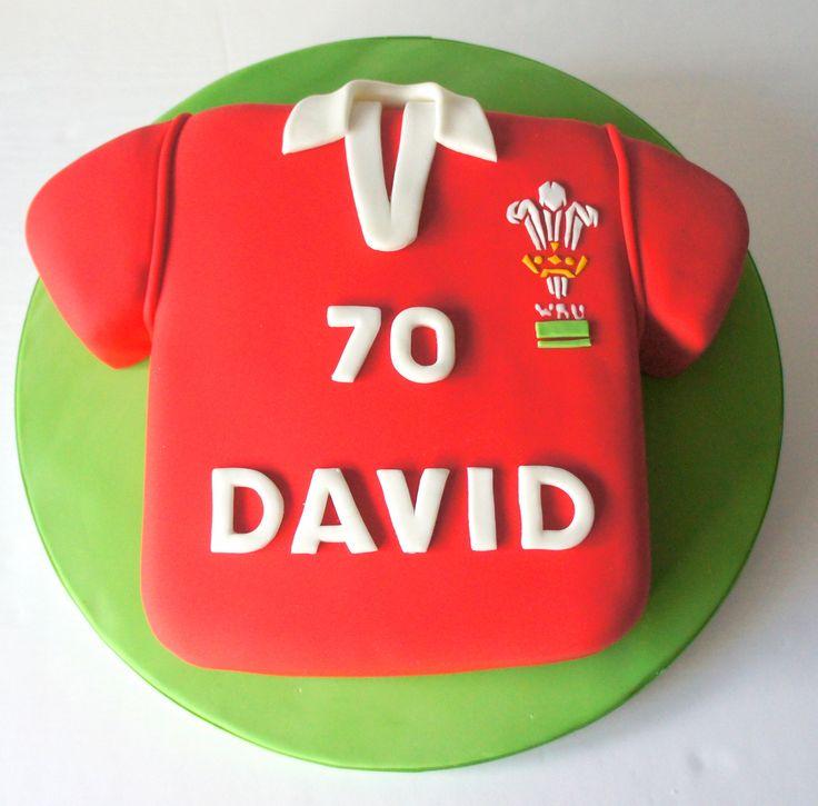 #welsh #rugby #shirt Red velvet cake with lemon frosting from www.byjojo.co.uk